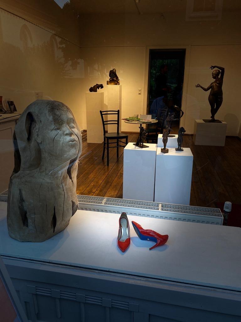 Christine Perseis - Bildhauerin - Galerie 20ger Haus