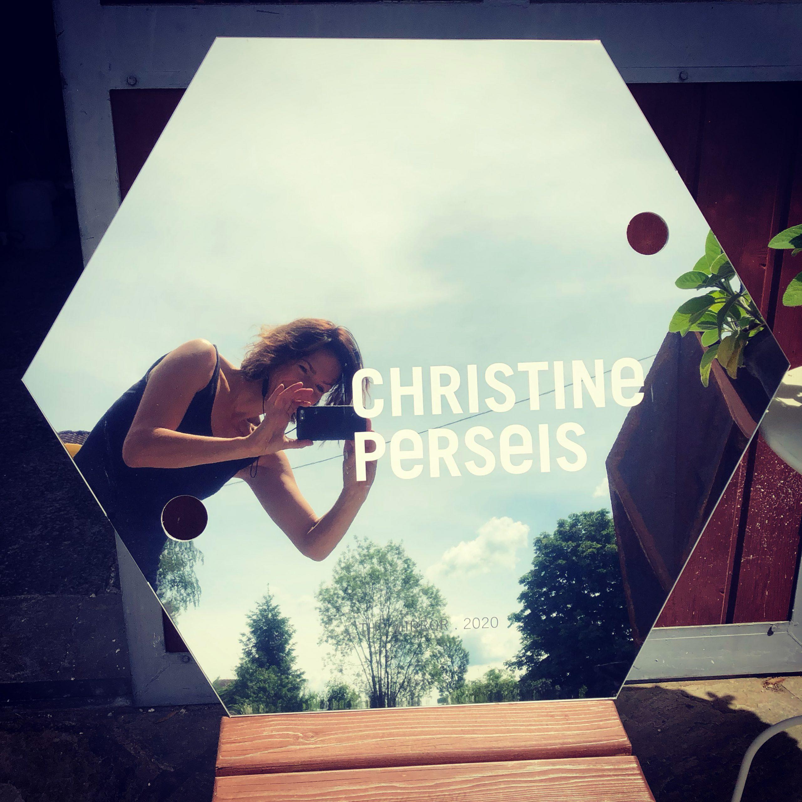 Christine Perseis - THE MIRROR